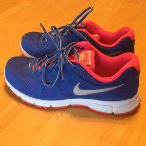 Nike 7.5 women's sneakers